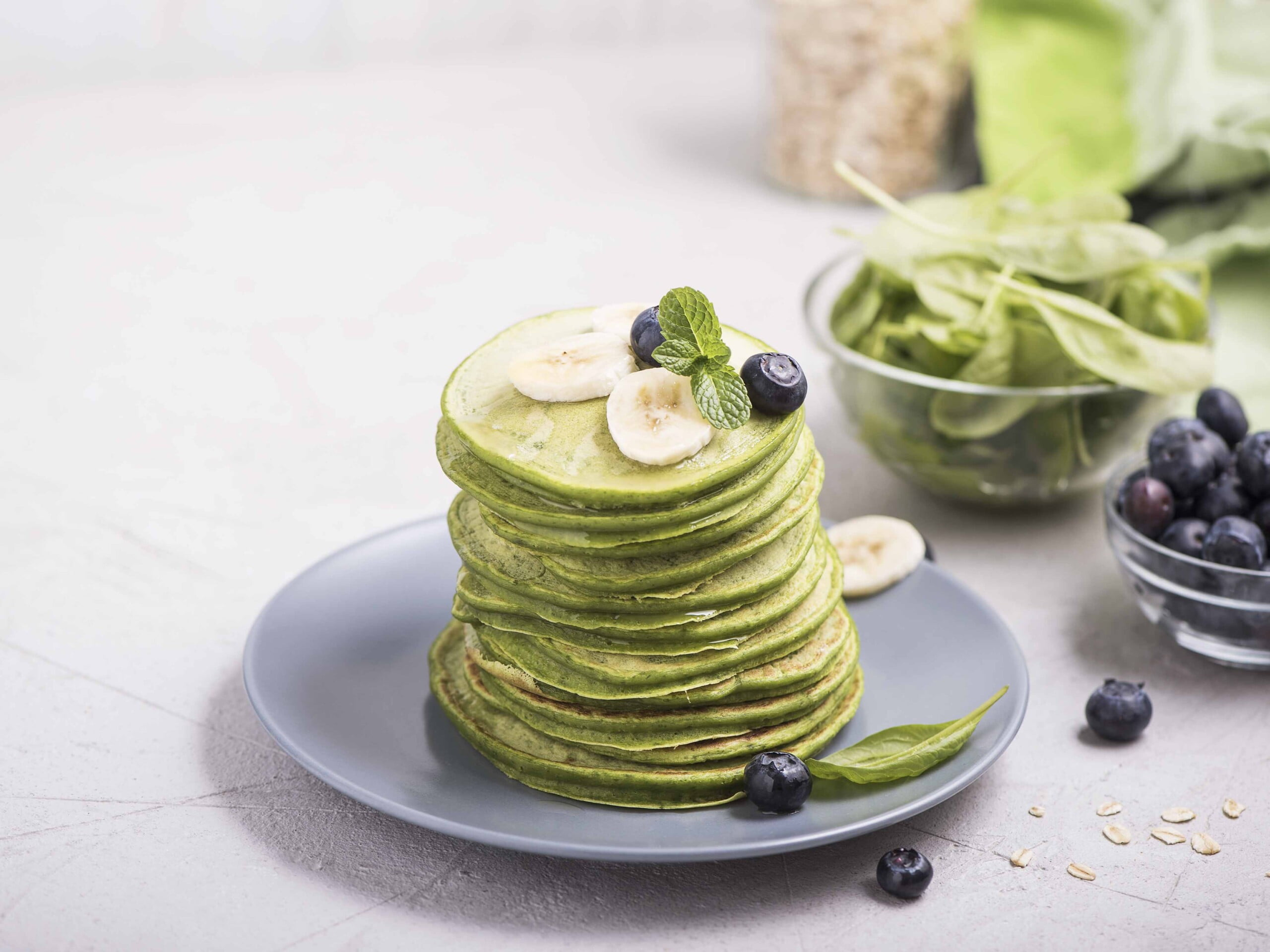 Green Spinach Pancakes with topping